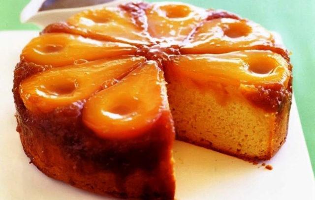 Грушевый пирог-перевертыш