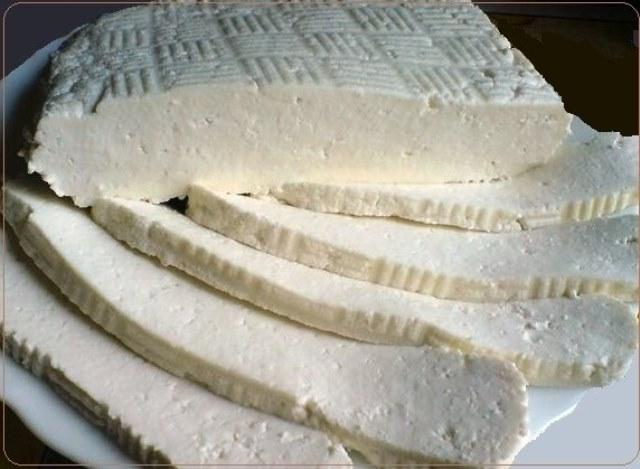 Адыгейский сыр в домашних условиях. Отличный рецепт. Пользуюсь им много лет. А вкусно как... Сохраните себе рецепт.