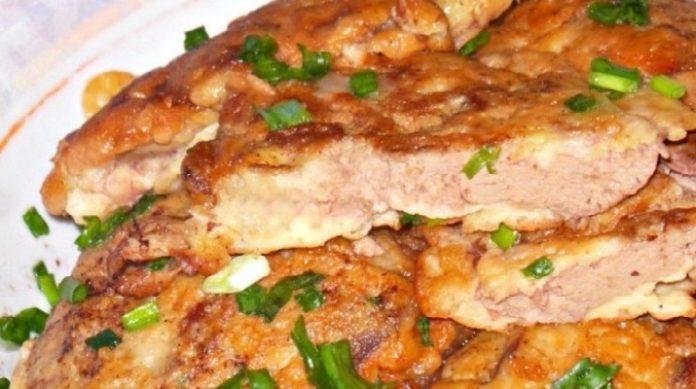 Вот она, идеальная еда - дешево, вкусно, и не толстеешь! Так печень вы точно уж не готовили! Нежная куриная печенка в сметанно-чесночном кляре