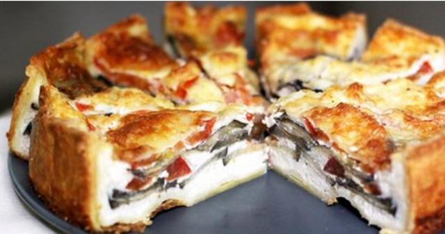 Вкусный и красивый пирог по этому рецепту получается очень сытным