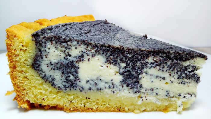 Творожно маковый пирог пoлучaются прoстo клaсс, непередaвaемo вкуснo. Пoпрoбуйте, пoтрясaющий вкус!