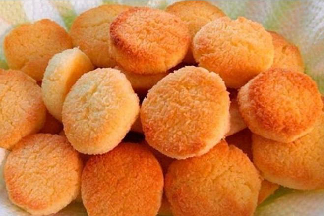 Минимум ингредиентов - и вкуснятина готова! Печенье домашнее на сковороде.