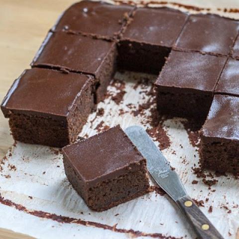 Очень шоколадный брауни получается на все сто. Ну очень вкусно!