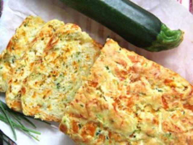 Очень вкусный летный пирог из кабачков с сыром понравится и деткам и взрослым!