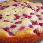 Пирог на кефире с ягодами в духовке. 2 вкусных рецепта