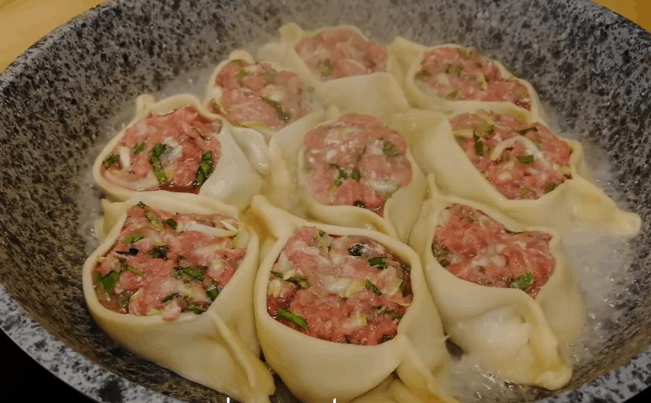 Потрясающе вкусное и сытное горячее блюдо на сковороде