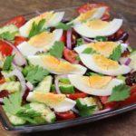 Надоел обычный овощной салат? Тогда приготовьте вот такой, заправка просто «пальчики оближешь»!