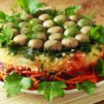 Рецепт мама «принесла» из гостей много лет назад - Салат с грибами