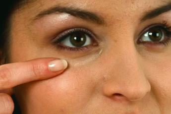 Простое упражнение для восстановления зрения и чтобы избавиться от мешков под глазами 1
