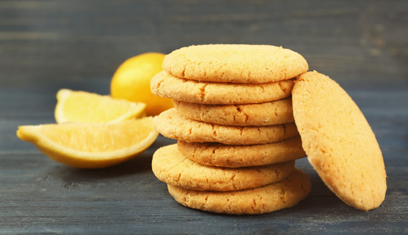 homemade-cookies-with-lemon-flavorcloseup