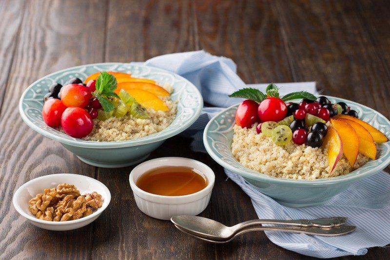 quinoa-porridge-with-fresh-fruits