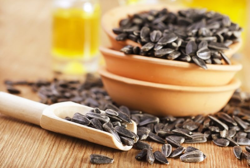 sunflower-seeds-and-oil