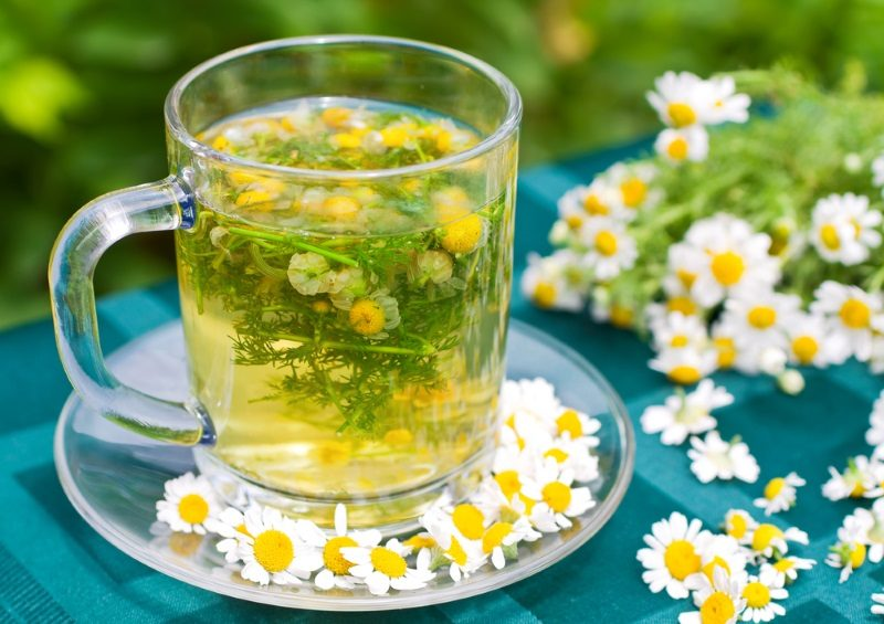 chamomile-tea-is-on-the-table-in-the-open-air