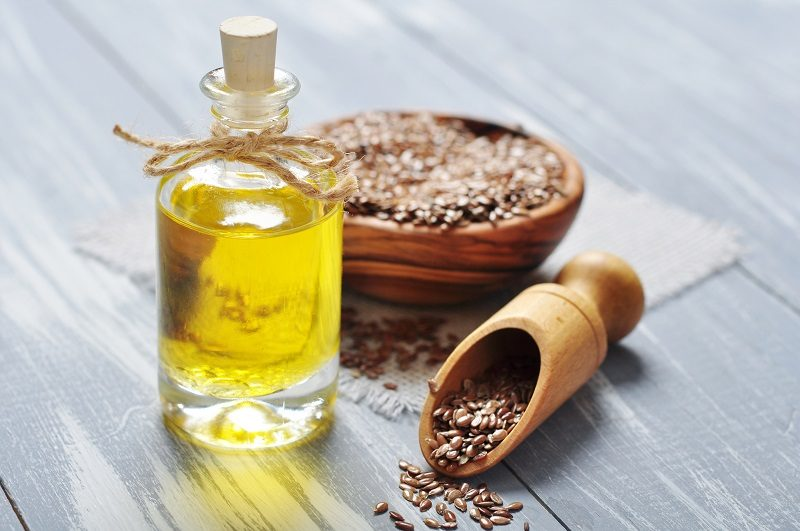 linseed-oil-and-flax-seeds