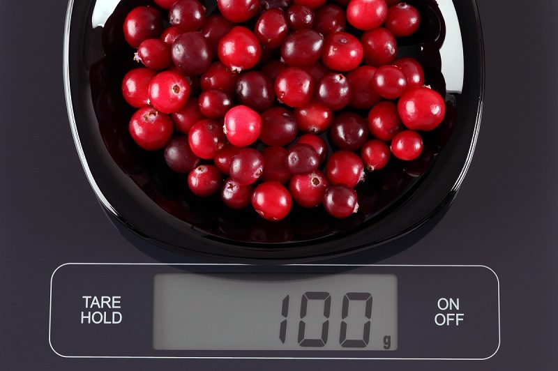 cranberries-on-kitchen-scale